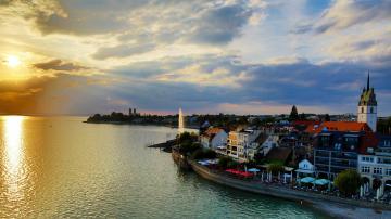 Flüge nach Friedrichshafen