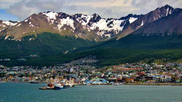 Flüge nach Ushuaia